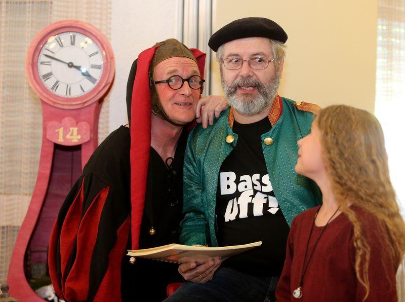 Martin Opitz, Jürgen Kund und Marie Opitz beim der Märchenfescht-Premiere in Freudental. Danke an Martin Kalb (BZ) für das wunderbare Foto.