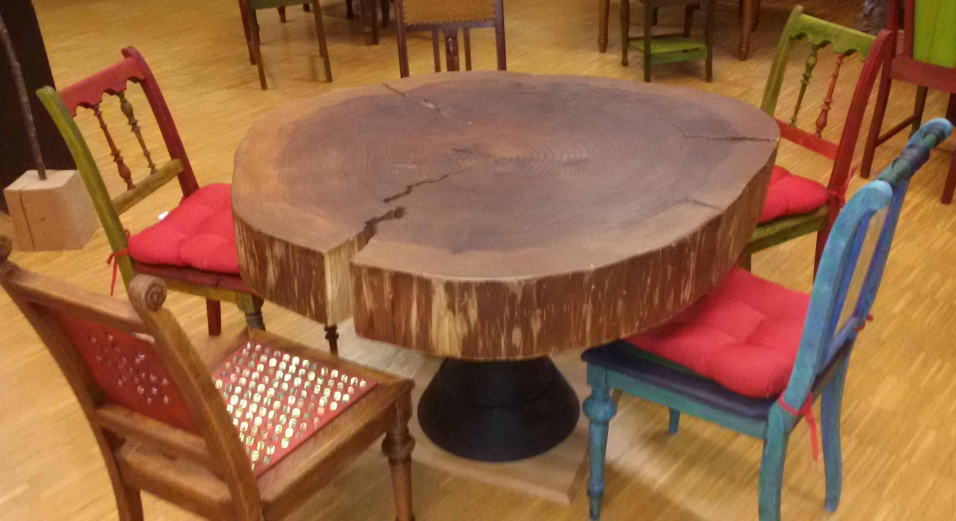 Tisch No.2